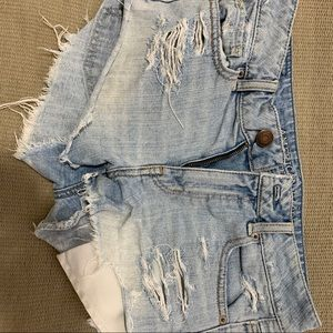 American Eagle High Waisted Shorts (Size 2)